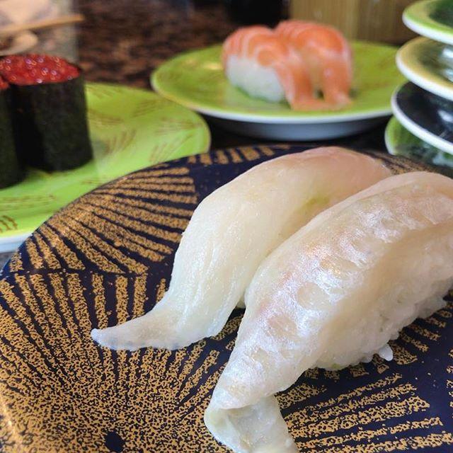 八角 紅鮭いくら 生サーモン 満腹